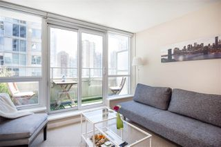 """Photo 7: 701 833 SEYMOUR Street in Vancouver: Downtown VW Condo for sale in """"THE CAPITOL"""" (Vancouver West)  : MLS®# R2185713"""