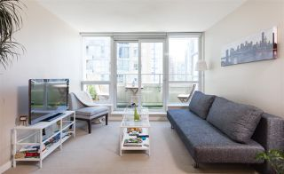 """Photo 6: 701 833 SEYMOUR Street in Vancouver: Downtown VW Condo for sale in """"THE CAPITOL"""" (Vancouver West)  : MLS®# R2185713"""