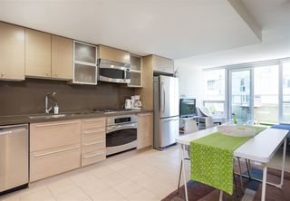 """Photo 1: 701 833 SEYMOUR Street in Vancouver: Downtown VW Condo for sale in """"THE CAPITOL"""" (Vancouver West)  : MLS®# R2185713"""