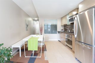"""Photo 8: 701 833 SEYMOUR Street in Vancouver: Downtown VW Condo for sale in """"THE CAPITOL"""" (Vancouver West)  : MLS®# R2185713"""