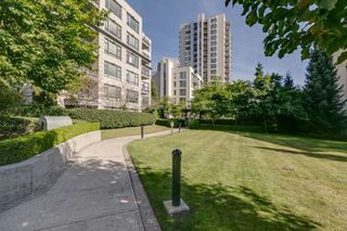 """Photo 17: 208 3520 CROWLEY Drive in Vancouver: Collingwood VE Condo for sale in """"MILLENIO"""" (Vancouver East)  : MLS®# R2207254"""