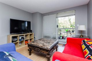 """Photo 2: 416 65 FIRST Street in New Westminster: Downtown NW Condo for sale in """"Kinnard Place"""" : MLS®# R2210523"""