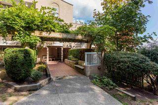 """Photo 1: 416 65 FIRST Street in New Westminster: Downtown NW Condo for sale in """"Kinnard Place"""" : MLS®# R2210523"""