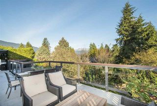 Photo 2: 312 FAIRWAY Drive in North Vancouver: Dollarton House for sale : MLS®# R2221628