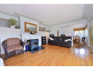 Photo 9: 1757 Fairfield Road in VICTORIA: Vi Fairfield East Residential for sale (Victoria)  : MLS®# 354030