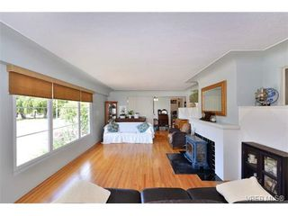 Photo 2: 1757 Fairfield Road in VICTORIA: Vi Fairfield East Residential for sale (Victoria)  : MLS®# 354030