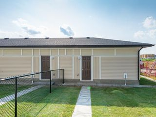 Photo 5: 44 SKYVIEW Circle NE in Calgary: Skyview Ranch Row/Townhouse for sale : MLS®# C4197899