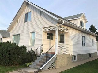 Photo 1: 9831 110 Street: Westlock House for sale : MLS®# E4128350