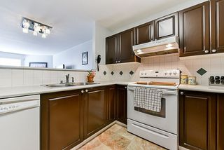 Photo 5: 306 13680 84 Avenue in Surrey: Bear Creek Green Timbers Condo for sale : MLS®# R2308360
