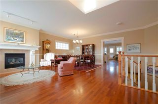 Photo 3: 356 SIGNATURE Court SW in Calgary: Signal Hill Semi Detached for sale : MLS®# C4220141