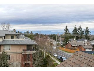 "Photo 16: 306 15368 17A Avenue in Surrey: King George Corridor Condo for sale in ""OCEAN WYNDE"" (South Surrey White Rock)  : MLS®# R2332910"