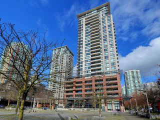 "Photo 14: 1901 977 MAINLAND Street in Vancouver: Yaletown Condo for sale in ""Yaletown Park 3"" (Vancouver West)  : MLS®# R2348596"