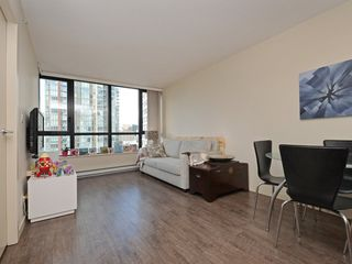 "Photo 3: 1901 977 MAINLAND Street in Vancouver: Yaletown Condo for sale in ""Yaletown Park 3"" (Vancouver West)  : MLS®# R2348596"