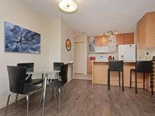 "Photo 2: 1901 977 MAINLAND Street in Vancouver: Yaletown Condo for sale in ""Yaletown Park 3"" (Vancouver West)  : MLS®# R2348596"