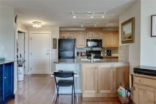 Photo 6: 206 2121 98 Avenue SW in Calgary: Palliser Apartment for sale : MLS®# C4242491