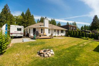 Photo 15: 1127 MALAVIEW Road in Gibsons: Gibsons & Area House for sale (Sunshine Coast)  : MLS®# R2375658