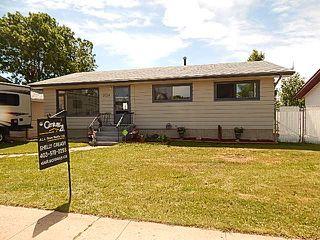 Main Photo: 5114 Windsor Avenue: Coronation House for sale : MLS®# E4164051