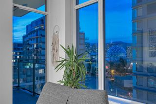 "Photo 14: 1111 111 E 1ST Avenue in Vancouver: Mount Pleasant VE Condo for sale in ""BLOCK 100"" (Vancouver East)  : MLS®# R2387508"