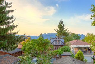 Photo 18: 1253 E 14TH Avenue in Vancouver: Mount Pleasant VE House 1/2 Duplex for sale (Vancouver East)  : MLS®# R2398819