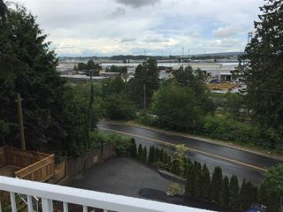 "Photo 14: 11380 RIVER Road in Surrey: Royal Heights House for sale in ""ROYAL HEIGHTS"" (North Surrey)  : MLS®# R2423198"