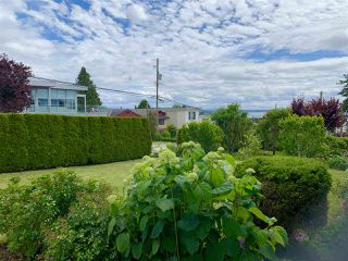 Photo 4: 1081 LEE Street: White Rock House for sale (South Surrey White Rock)  : MLS®# R2463700