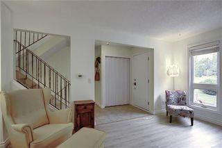 Photo 2: 28 CANTERBURY Garden SW in Calgary: Canyon Meadows Row/Townhouse for sale : MLS®# C4305505