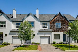 Main Photo: 32 BRIDLEWOOD View SW in Calgary: Bridlewood Row/Townhouse for sale : MLS®# A1009166