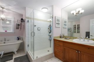 """Photo 15: 357 W 11TH Avenue in Vancouver: Mount Pleasant VW Townhouse for sale in """"Ardencraig"""" (Vancouver West)  : MLS®# R2474655"""
