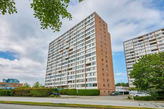 """Main Photo: 305 6651 MINORU Boulevard in Richmond: Brighouse Condo for sale in """"PARK TOWERS"""" : MLS®# R2480009"""