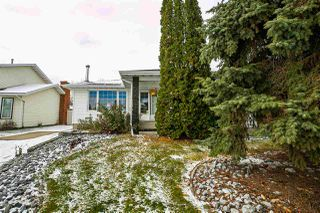 Photo 2: 4032 77 Street in Edmonton: Zone 29 House for sale : MLS®# E4218744