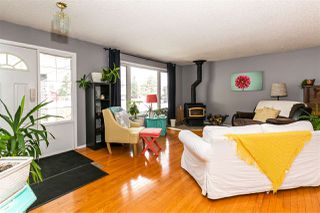 Photo 5: 4032 77 Street in Edmonton: Zone 29 House for sale : MLS®# E4218744
