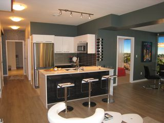 Photo 4: 701 2699 Kingsway in Vancouver: Condo for sale (Vancouver East)