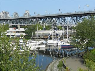 Photo 1: 407 1551 Mariner Walk in Vancouver: Condo for sale : MLS®# V966325