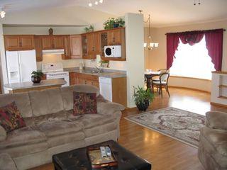 Photo 8: 39 Riverview Place in Winnipeg: Brunkild / La Salle / Oak Bluff / Sanford / Starbuck / Fannystelle Residential for sale (Winnipeg area)  : MLS®# 1304413