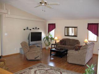 Photo 6: 39 Riverview Place in Winnipeg: Brunkild / La Salle / Oak Bluff / Sanford / Starbuck / Fannystelle Residential for sale (Winnipeg area)  : MLS®# 1304413