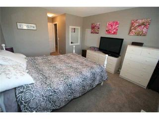 Photo 14: 225 SUNSET Common: Cochrane Residential Attached for sale : MLS®# C3590396