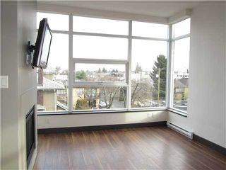 "Photo 4: 404 1088 W 14TH Avenue in Vancouver: Fairview VW Condo for sale in ""COCO"" (Vancouver West)  : MLS®# V1044068"