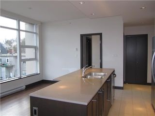 "Photo 5: 404 1088 W 14TH Avenue in Vancouver: Fairview VW Condo for sale in ""COCO"" (Vancouver West)  : MLS®# V1044068"