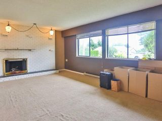 Photo 7: 5327 HALLEY Avenue in Burnaby: Central Park BS House 1/2 Duplex for sale (Burnaby South)  : MLS®# V1093560