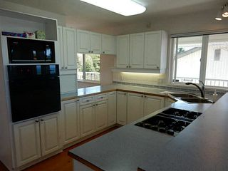 Photo 7: 4936 ARBUTUS Road in Sechelt: Sechelt District House for sale (Sunshine Coast)  : MLS®# V1136165