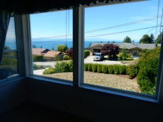 Photo 13: 4936 ARBUTUS Road in Sechelt: Sechelt District House for sale (Sunshine Coast)  : MLS®# V1136165