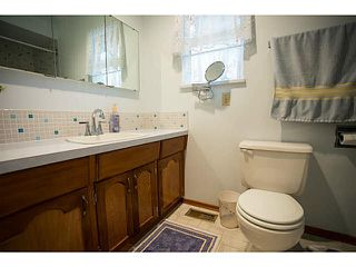 Photo 7: 5528 MAPLE Crescent in Ladner: Delta Manor 1/2 Duplex for sale : MLS®# V1138909