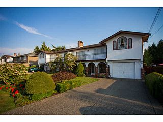 Photo 1: 5528 MAPLE Crescent in Ladner: Delta Manor House 1/2 Duplex for sale : MLS®# V1138909