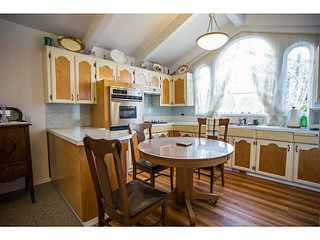 Photo 3: 5528 MAPLE Crescent in Ladner: Delta Manor 1/2 Duplex for sale : MLS®# V1138909
