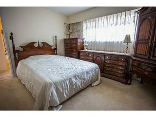 Photo 6: 5528 MAPLE Crescent in Ladner: Delta Manor House 1/2 Duplex for sale : MLS®# V1138909