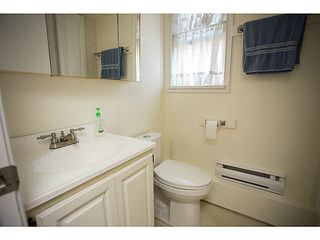Photo 10: 5528 MAPLE Crescent in Ladner: Delta Manor House 1/2 Duplex for sale : MLS®# V1138909