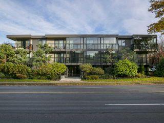 """Photo 18: 304 2770 BURRARD Street in Vancouver: Fairview VW Condo for sale in """"El Burrardo"""" (Vancouver West)  : MLS®# R2015505"""