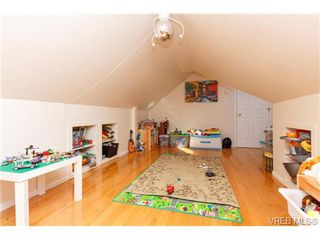 Photo 11: 724 Newport Ave in VICTORIA: OB South Oak Bay Single Family Detached for sale (Oak Bay)  : MLS®# 717256