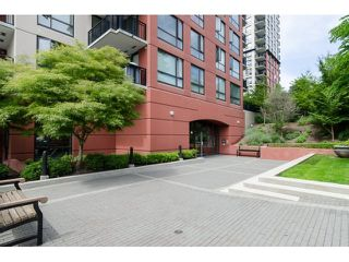 "Photo 2: 1206 813 AGNES Street in New Westminster: Downtown NW Condo for sale in ""NEWS"" : MLS®# R2022858"