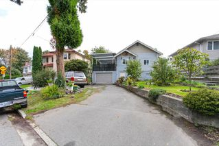 Photo 3: 2236 VANNESS Avenue in Vancouver: Victoria VE House for sale (Vancouver East)  : MLS®# R2110897